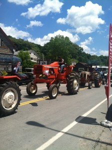 Tractor Parade Callicoon,/2